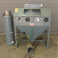 TRINCO 48 INCH SAND BLAST CABINET WITH COLLECTOR NICE