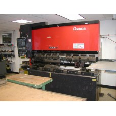AMADA 88 TON x 98.6 HYDRAULIC PRESS BRAKE MODEL FBD-8025E WITH NC9EXII 3-AXIS CNC BACK GAUGE NEW 1992