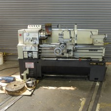 VICTOR 1640B ENGINE LATHE FULLY TOOLED 2007 INCH/METRIC GAP BED